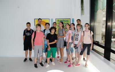 Ђаци у посети Музеју илузија